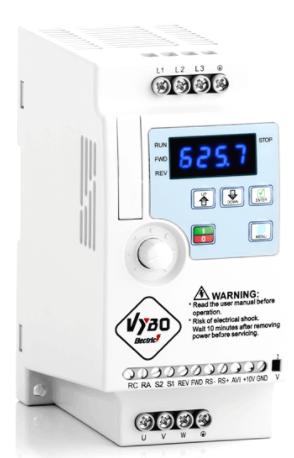 Kompaktné frekvenčné meniče na predaj pre bežné aj priemyselné aplikácie